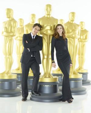 【第83回アカデミー賞授賞式】ジェームズ・フランコとアン・ハサウェイ