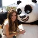 アンジェリーナ・ジョリーとパンダのポー