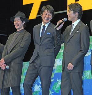 左から岡田将生、小栗旬、堤真一