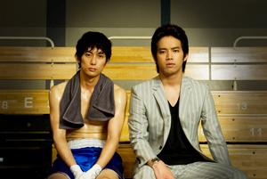 平岡祐太(左)と三浦貴大、映画『キッズ・リターン 再会の時』より