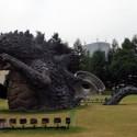 六本木ヒルズ脇の広場にゴジラ(GODZILLA)像はあります【期間限定】