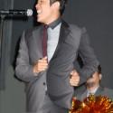 シンガーソングダンサーの鈴木亮平