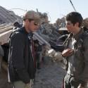 ディラン・オブライエンとウェス・ボール監督、映画『メイズ・ランナー2:砂漠の迷宮』より