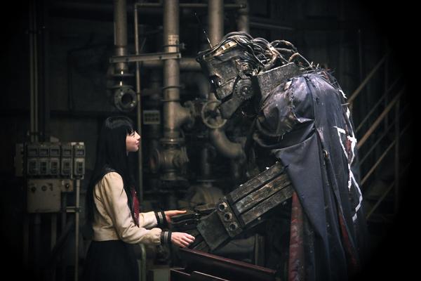 映画『ライチ☆光クラブ』の機械ライチと少女カノン