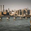 ブルックリンからの景観、映画『ニューヨーク 眺めのいい部屋売ります』より