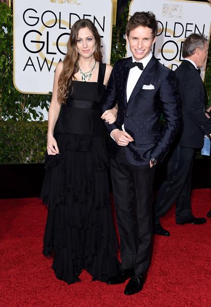 俳優のエディ・レッドメインと奥さま、第73回ゴールデン・グローブ賞の授賞式にて
