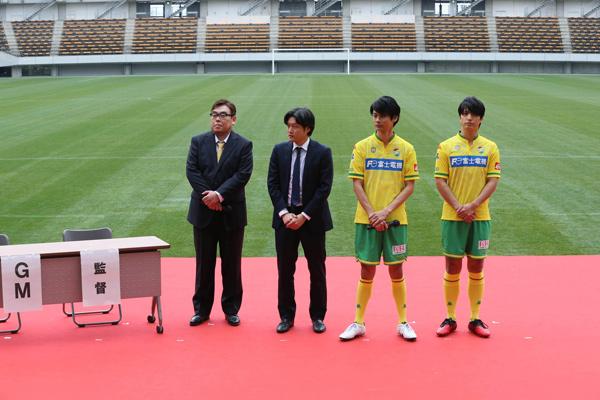 左から綱本将也、谷健二、馬場良馬、中村優一、サッカー映画『U-31』製作発表会見にて