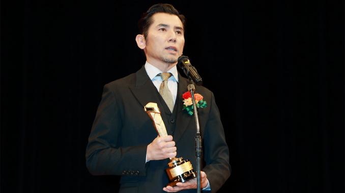 「本木節」を披露した本木雅弘、2015年 第89回キネマ旬報ベスト・テン表彰式にて