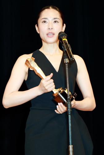 深津絵里「主演女優賞受賞は浅野忠信の底知れぬ力のおかげ」