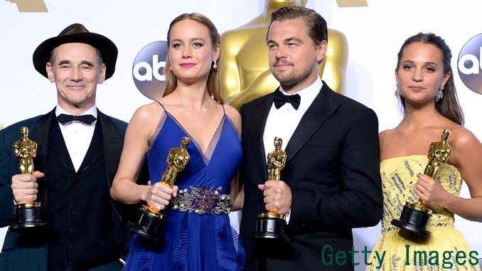 マーク・ライランス、ブリー・ラーソン、レオナルド・ディカプリオア、アリシア・ヴィキャンデル、第88回アカデミー賞受賞者フォトコールにて