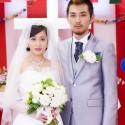 松田龍平と前田敦子の結婚式写真、映画『モヒカン故郷に帰る』より