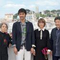 樹木希林×阿部寛×真木よう子×是枝裕和監督、第69回カンヌ国際映画祭フォトコールにて
