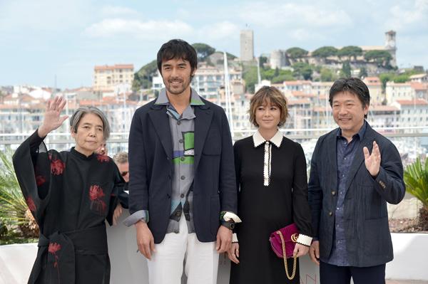 <阿部寛>初カンヌ国際映画祭! 映画『海よりもまだ深く』レッドカーペット、公式上映に参加
