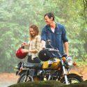 テリーサ・パーマーとベンジャミン・ウォーカー、映画『きみがくれた物語』(ロス・カッツ監督)より