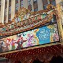 映画『アリス・イン・ワンダーランド/時間の旅』USプレミア会場のEl Capitan Theatre