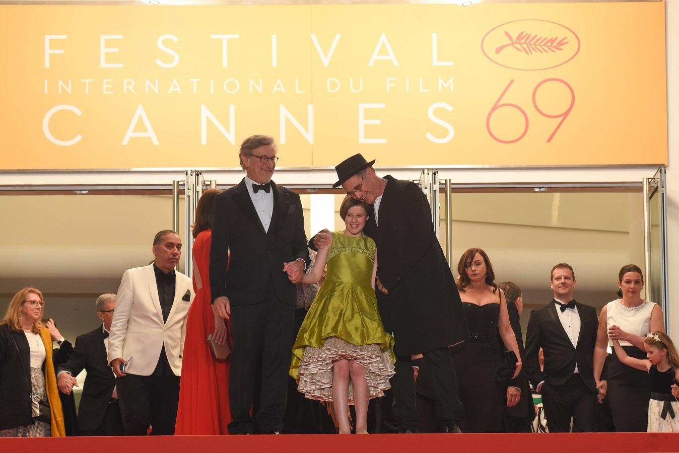 映画『BFG:ビッグ・フレンドリー・ジャイアント』(スティーヴン・スピルバーグ監督)カンヌ国際映画祭カバー