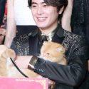 間宮祥太朗に抱っこされて、高台家の愛猫のヨシマサも
