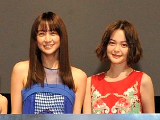 山本美月と玉城ティナ、映画『貞子vs.伽椰子』の完成記念イベントにて