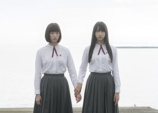 本田翼と山本美月、映画『少女』(三島有紀子監督)より