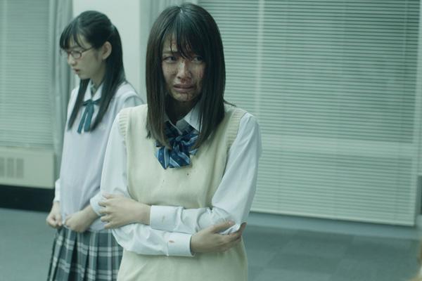 <小島梨里杏>初の主演映画『人狼ゲーム プリズン・ブレイク』より