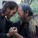 アンドリュー・ガーフィールド(左)と塚本晋也、映画『沈黙-サイレンス-』(マーティン・スコセッシ監督)より