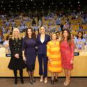 左から、ダイアン・ネルソン(DC社長)、リンダ・カーター、ガル・ガドット、クリスティーナ・ガラッチ(国連広報事務次長)、パティ・ジェンキンス監督