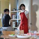 津崎平臣(星野源)の棚にはロボフォンがいるー!、ドラマ「逃げ恥」第2話「秘密の契約結婚!波乱の両家顔合わせ」より