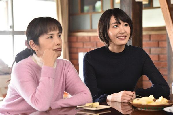 母親とみくり(新垣結衣)、ドラマ「逃げ恥」第8話