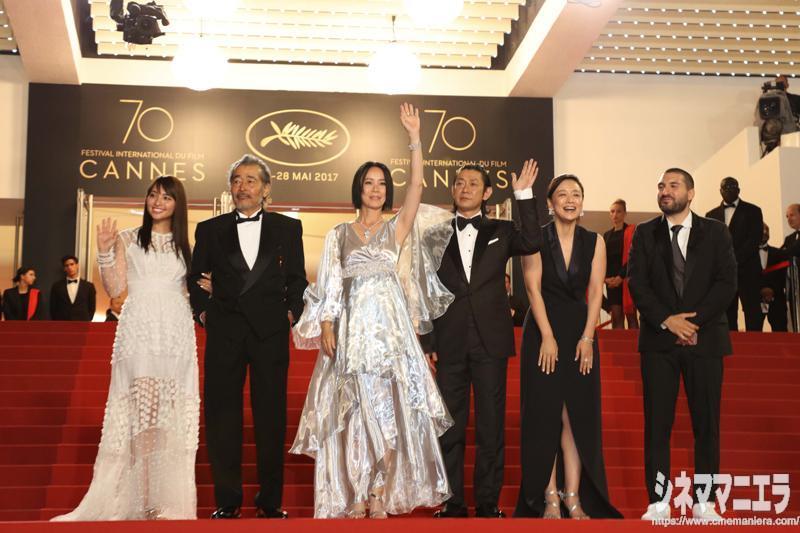 左から水崎綾女、藤竜也、河瀨監督、永瀬正敏、神野三鈴、イブラヒム・マーロフ