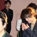 笑いが止まらない窪田正孝、映画『ラストコップ THE MOVIE』初日フォトセッション前のオフショット