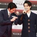 斎藤工の作麼生(そもさん)「ジャケットのボタンが大きいのか、着ている僕が小さいのか」、向井理が動作で説破(せっぱ)!