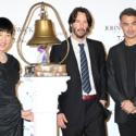 左から和田アキ子、キアヌ・リーヴス、チャド・スタエルスキ監督