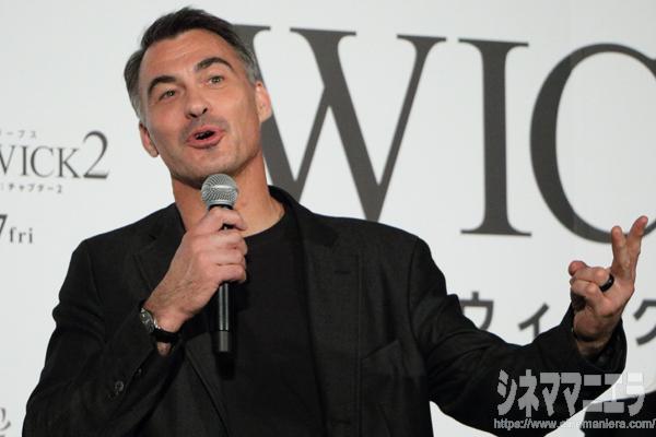 チャド・スタエルスキ監督「ジョン・ウィックのレベルアップのために、キアヌのレベルアップを進めた」