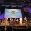 ステージに海賊船が!映画『パイレーツ・オブ・カリビアン/最後の海賊』夏祭りジャパンプレミア