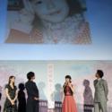浜辺美波さん、4歳で「家族とのおでかけ」写真。