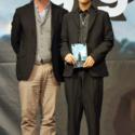 クリストファー・ノーラン監督と岩田 剛典(三代目J Soul Brothers、EXILE)全身写真