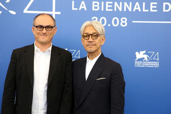 スティーブン・ノムラ・シブル/Stephen Nomura Schible監督と坂本龍一