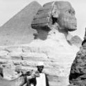 """ルイ&オーギュスト・リュミエール兄弟が""""シネマトグラフ""""で撮影したエジプト・ギザのピラミッド(1897)"""