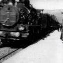 『ラ・シオタ駅への列車の到着』(1897年)