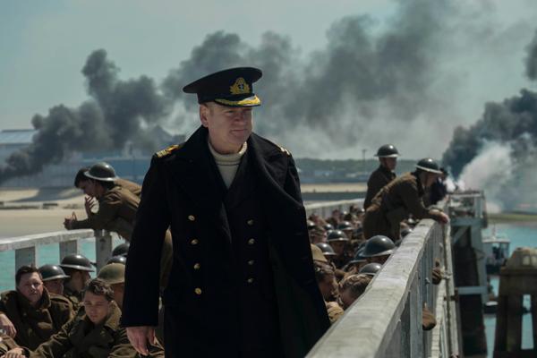 ボルトン海軍中佐役のケネス・ブラナー
