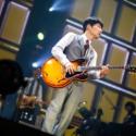 星野源、ギター演奏