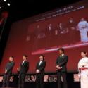 左からシン・ポーチン、ホアン・シュアン、染谷将太、阿部 寛、松坂慶子