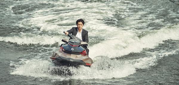 水上チェイスも初体験の福山雅治、映画『マンハント』(ジョン・ウー監督)より