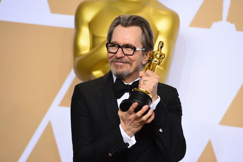 ゲイリー・オールドマン、主演男優賞を初受賞!映画『ウィンストン・チャーチル/ヒトラーから世界を救った男』