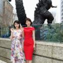 沢口靖子と浜辺美波、笑顔で新ゴジラ像と!