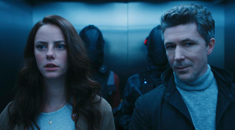 テレサ(カヤ・スコデラリオ)とジェンソン(エイダン・ギレン)、映画『メイズ・ランナー:最期の迷宮』(ウェス・ボール監督)より