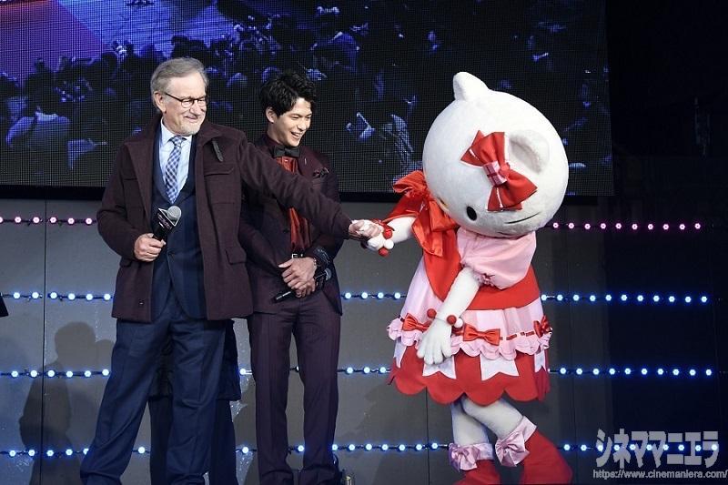 スピルバーグ来日!『レディ・プレイヤー1』森崎ウィンとハローキティも対面に感激!