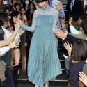 小松菜奈はじめ、入場時とフォトコール時に客席通路を歩む『恋雨』ご一行