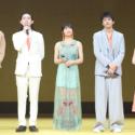 左から古川雄輝、菅田将暉、土屋太鳳、山田裕貴、浜辺美波