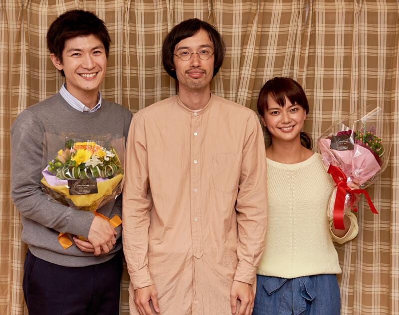 三浦春馬、今泉監督、多部未華子、映画「アイネクライネナハトムジーク」撮影終了に笑顔